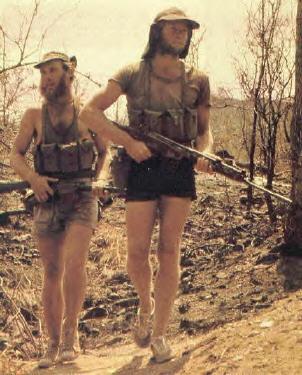 Pistolets-mitrailleurs : on n'en parle pas beaucoup ! - Page 5 Scouting4danger_k